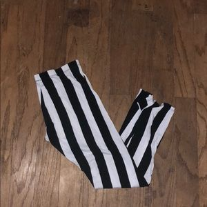 Pants - Black and white striped leggings